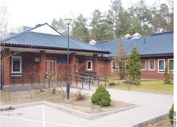 Szpital Rehabilitacji Neurologicznej to jedna z instytucji, ktore znajdują się w Konstancinie ze względu na jego specyficzne walory przyrodnicze
