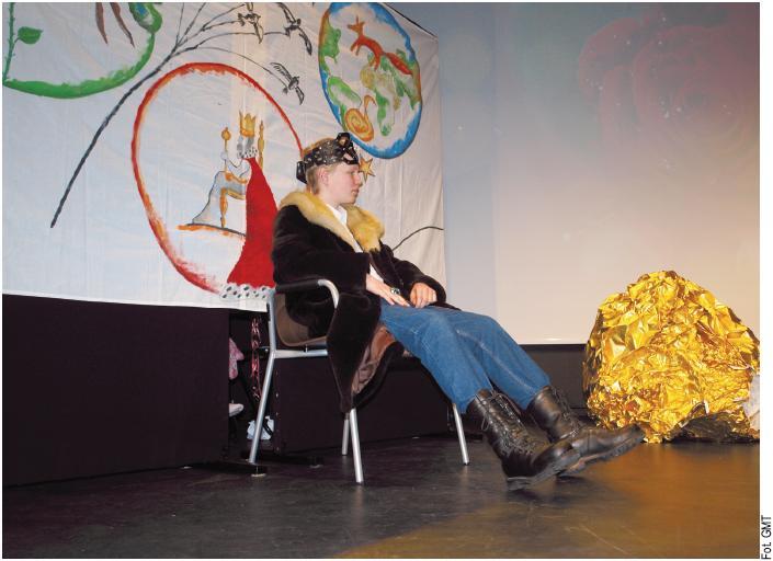 """""""Moonwalk Małego Księcia"""" przedstawiła grupa teatralna uczniów Zespołu Szkół Integracyjnych nr 5"""
